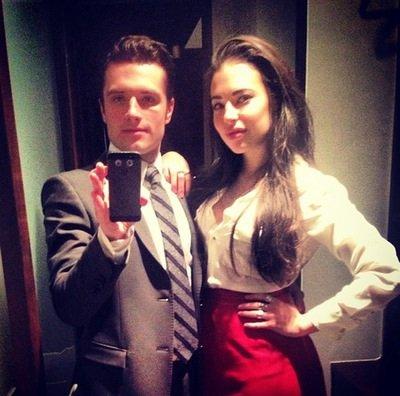 New/old photos de Josh avec l'actrice Chloé Bridges posté sur son compte Instagram.