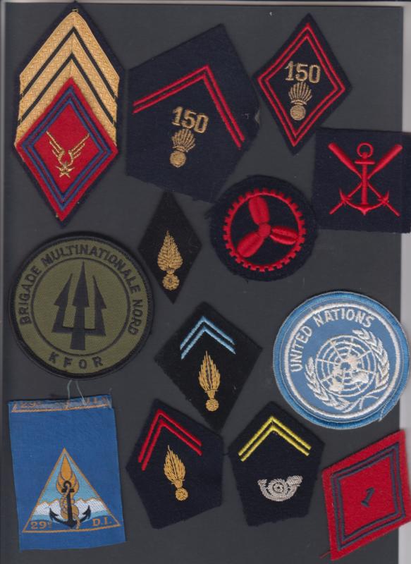 Quelques insignes en vrac ...