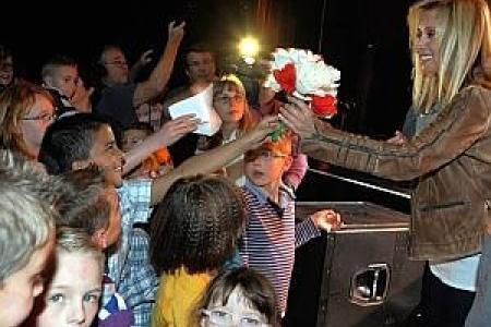 Lara Fabian au Spiroudôme: elle chante pour une association carolo