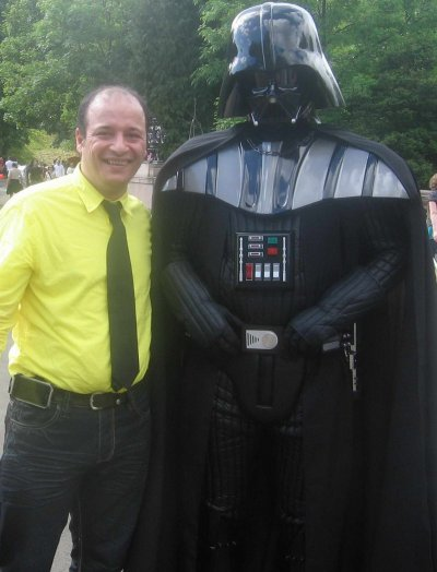 Me and Darth Vader / Moi et Dark Vador aux festival d'ete de Galsgow l'annee j'ai oublier ;)