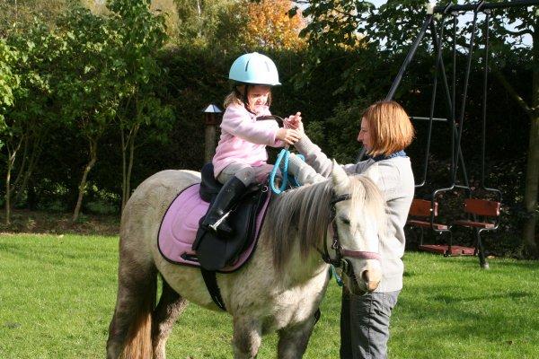 Première fois montée par sa nouvelle cavalière Eline