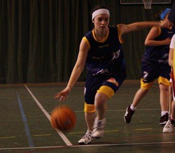 Le basket bien plush kin sport' et qui est la depuis toute petite.♥ S.M.A.S.H. ♥ Cadettes ♥