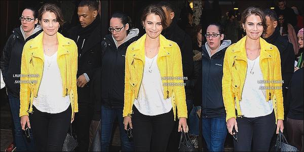 18/02/15: Lauren à été aperçue quittant le défilé de mode de Jeremy Scott à l'occasion de la Fashion Week - NYC. Je la trouve magnifique, comme toujours! Mais je ne suis pas fan de la tenue qu'elle portait pour l'occasion. toi tu lui donne top ou flop?