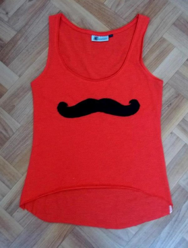 comment se faire un tee shirt moustache blog de les filles et lamode. Black Bedroom Furniture Sets. Home Design Ideas