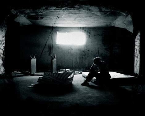 Lugubre, telle est ma vie, tel est mon destin. Ma lumière est morte.