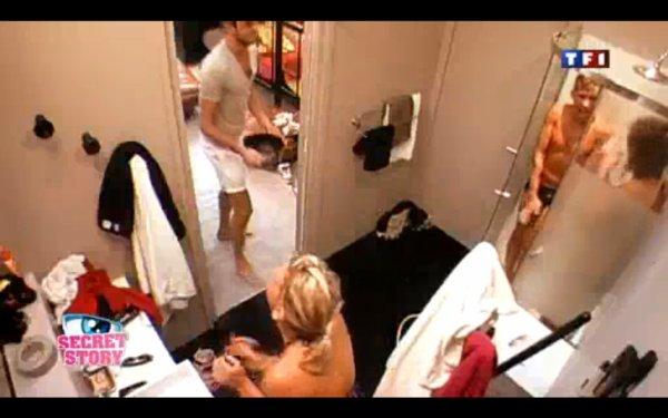 Secret story 4 – Une douche qui dégénère ! (VIDEO)