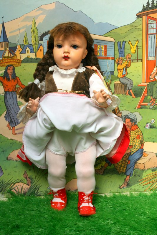 Trouvaille sur le B C. Une poupée Polonaise ASK