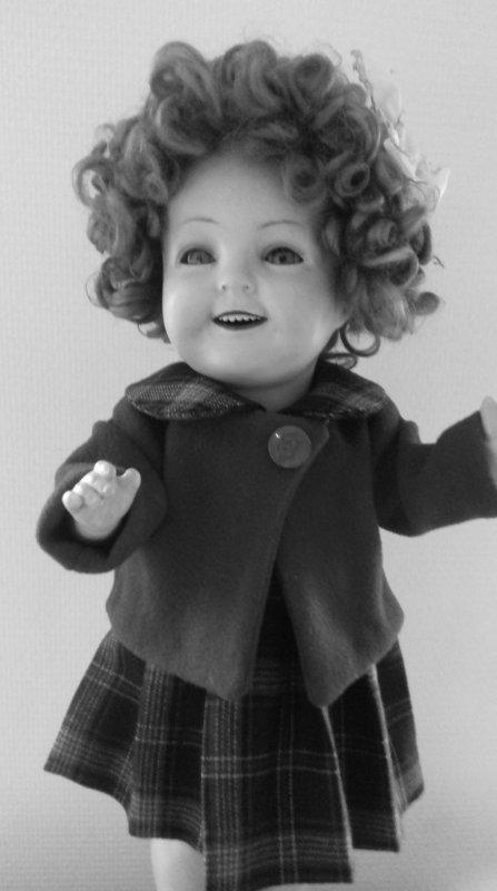 Un petit coucou ,pour vous mes amies et amis,avec le sourire en bouclettes de Shirley Temple