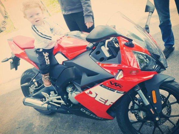 Mon bébé <3 en moto