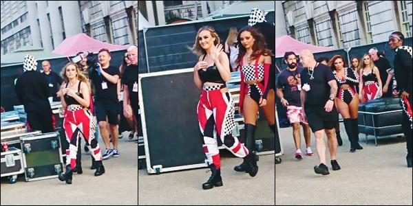 7 juillet 2017 🌷 Perrie Edwards et les filles ont été vu juste avant de monter sur la scène du #SummerShoutOut Tour  à Londres.