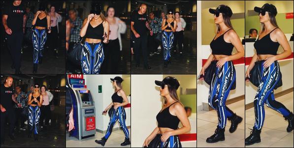 18 juillet 2017 🌷 Perrie L. Edwards ainsi que les filles étaient présentes à l'aéroport de Perth, une grande ville située en Australie.