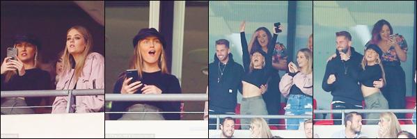 06 août 2017 🌷 Perrie Louise Edwards a été photographié au « Stade Wembley »  pour le match Arsenal vs. Chelsea où jouait Alex.