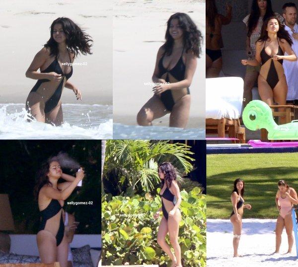 le 16 avril 2015 - Selena à la plage de Puerto Vallarta, Mexique