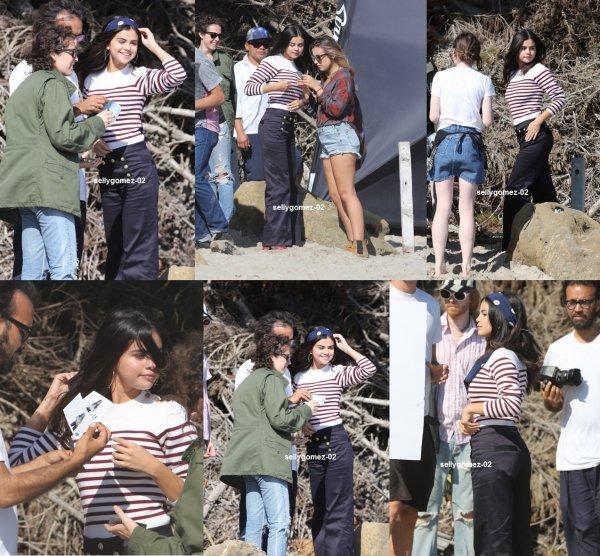 le 14 juillet 2015 - Selena vu sur le plateau d'un photoshoot à Malibu, en Californie