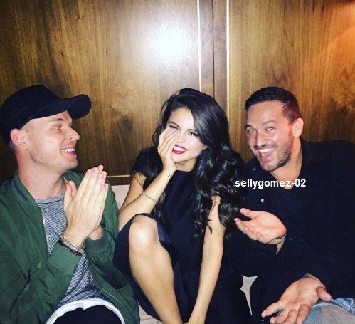 le 11 octobre 2015 - Selena dehors et environ à New York City, NY