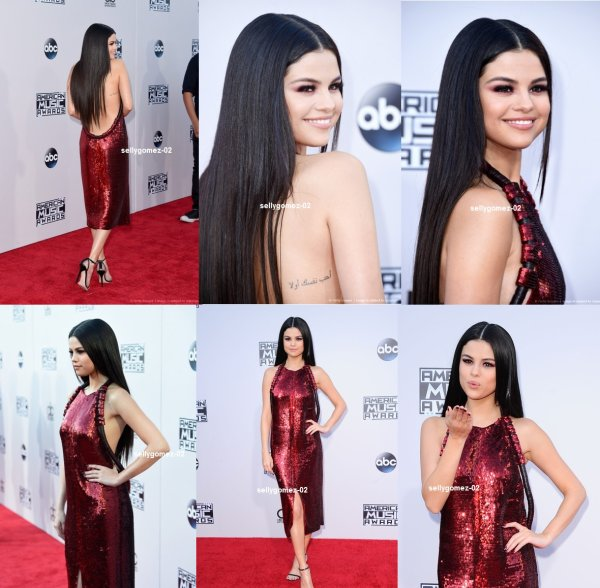 le 22 novembre 2015 - selena aux American Music Awards à los angeles