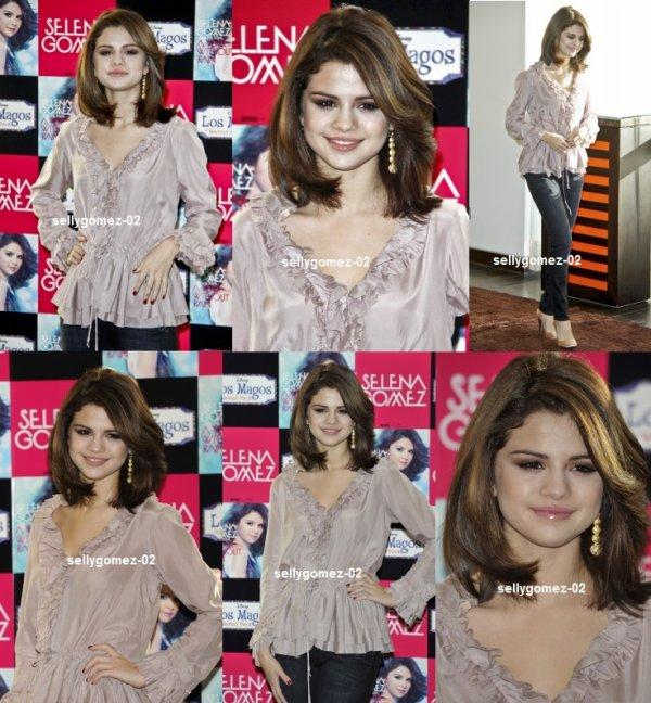 le 19 octobre 2010 - selena pour la promo de a year whithout rian en espagne