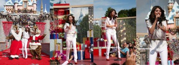 le 7 novembre 2010 - selena a performer a la parade de noel a disneyland