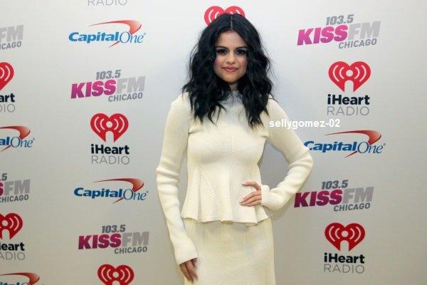 le 16 decembre 2015 - selena à Participer 103.5 KISS, 2015 Jingle Ball de FM à Chicago, IL
