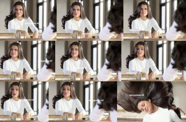 selena pour Love Your Hair plus avec Pantene | Pantene Commercial