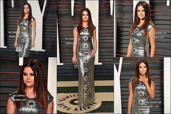 le 28 février 2016 - Selena était présente à la Vanity Fair Oscar Party