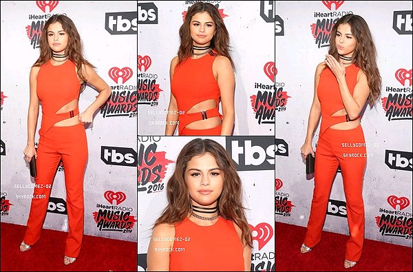 le 3 Avril 2016 - Selena était aux  iHeartRadio Music Awards