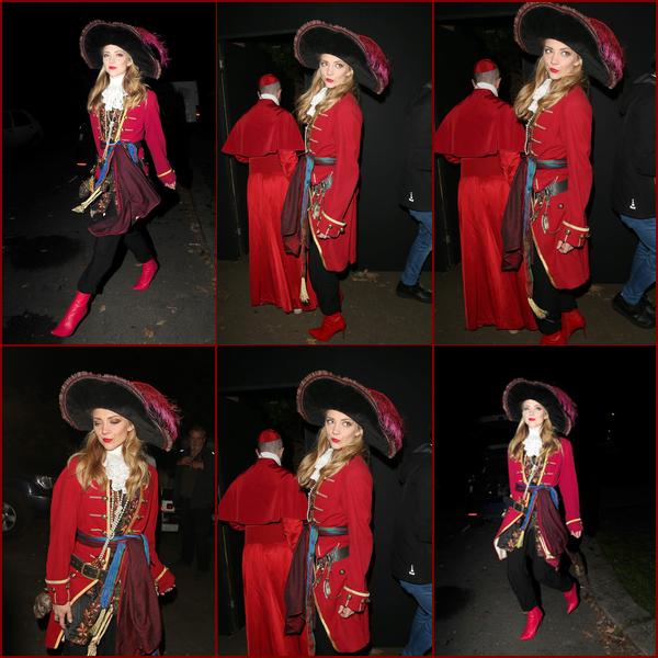 ● Natalie Dormer déguisée en pirate hier soir à la soirée halloween du présentateur Johnathan Ross à Londres