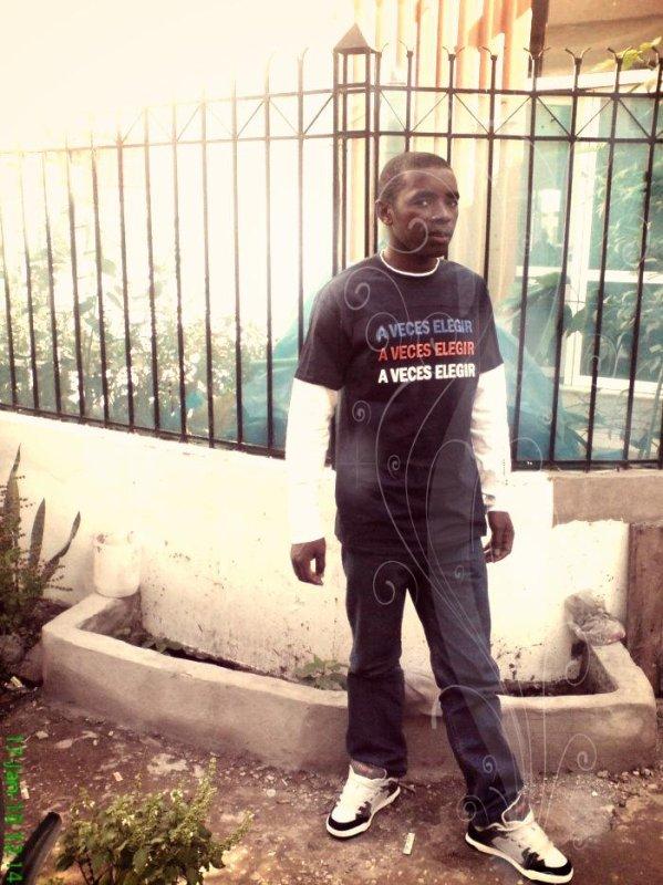 On a les DOCTEURS  que nous méritons vraiment aux Comores, entre la vie et la mort; il y a un issus!!!