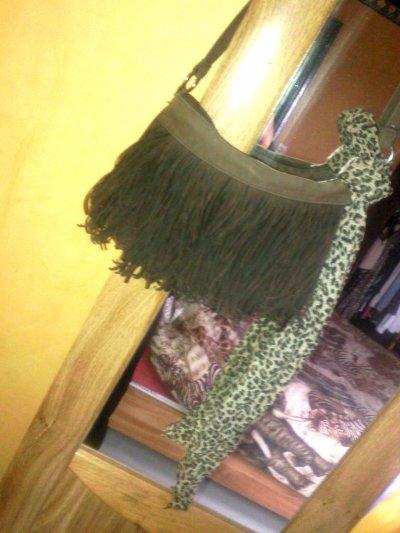 Sacoche + foulard léopard (séparrement) Propose ton prix !