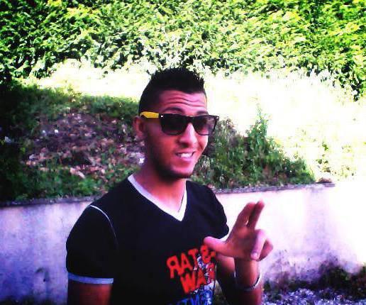 """£"""" Blog de ("""" YOU2SS Alias YOUSSEF """") Au mic !!!  Free-style Crack)  ( '' Y.2.S '' ) !!! De Nationalité """" Maroc Haine """" !!  """" Du 67000 Stras Pas De Paillette """" Ville d'origine Venu du 6.2  """"£   You2ss_Funkin Boss Ro  !!"""