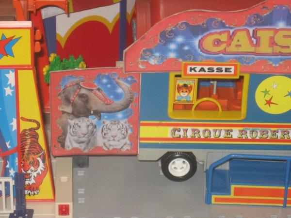 Le cirque est arrivé à St-Etienne !!!!!!!!!!!!!!!! Et la caisse modifiée par moi-même !!!!!!!!!!!!!!