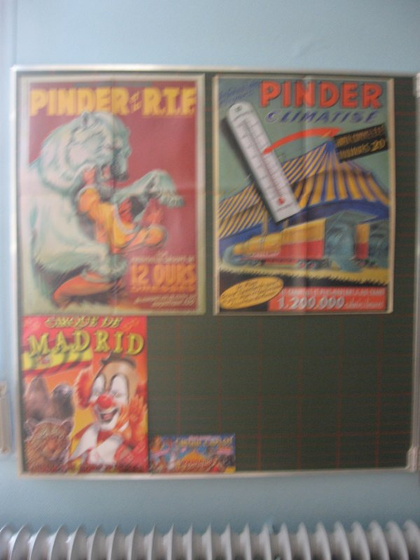 Voici les photos de ma première exposition dans mon ancienne école, les affiches !!!