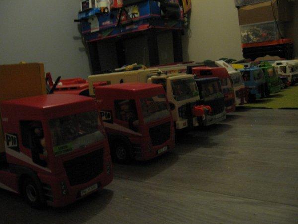 Le parc routier du Cirque !!! Plus de 17 convois et bientôt 18 !!