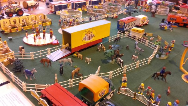 Le cirque installé à Villette d'Anthon !!! Expo n°3