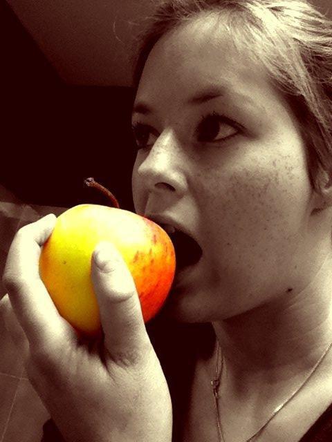 ****************************************************************************** La pomme un fruit étrange.  ************************************************************************************************************* ****