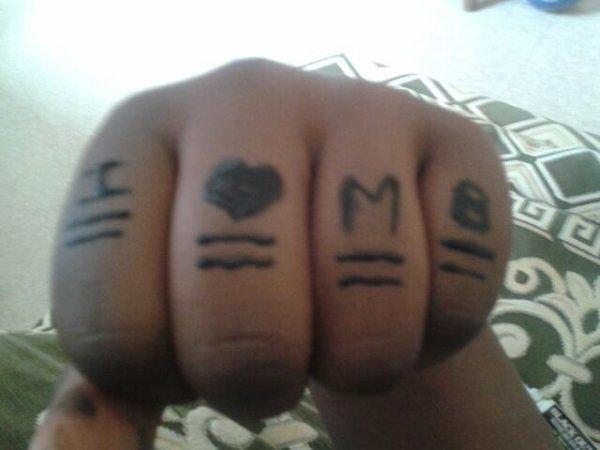 Mes tatouage Mindless (*^_^*)