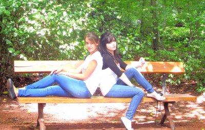 Bientot 12 ans qu'on ce connait , un jour d'été on s'est rencontrés bien des jours sont passés et notre amitié s'est crée , nos rires , nos larmes et nos joies nous avons si souvent partagés malgrés quelques querelles je t'ai toujours eu à mes cotés ... je t'aime ! <3