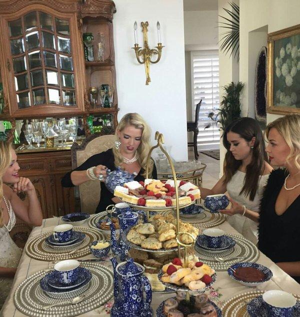 Rydel's Tea Party ❤