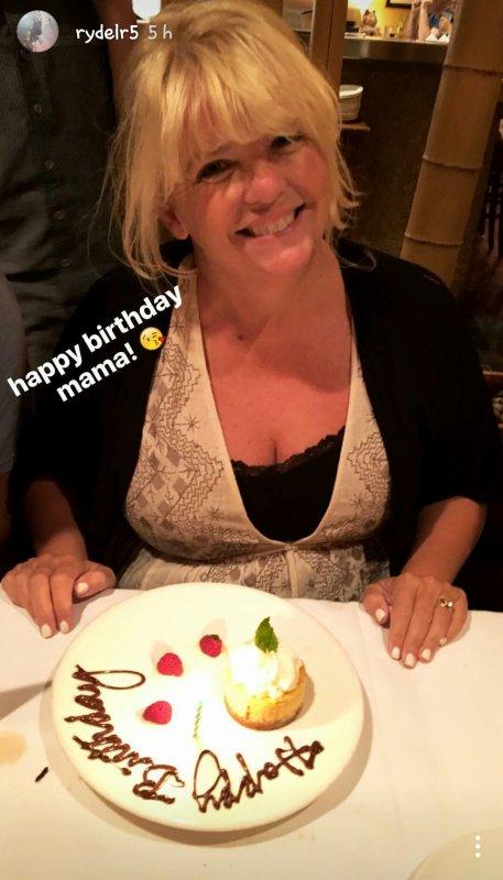 Happy birthday Mama Lynch! :D ❤