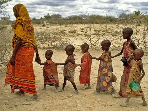 """"""" Seulement les nôtres meurent de faim en Afrique et y a pas assez de fric pour eux, alors la dalle faudra la tempérer """""""