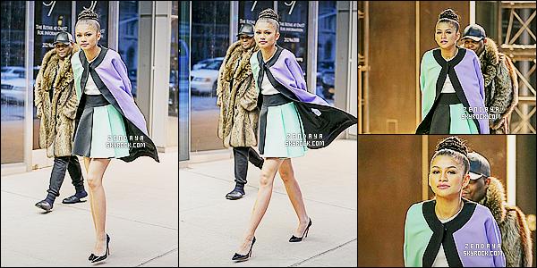 * 15/01/15 : Zendaya  a été aperçu  accompagné au moment où elle quittait son   hotel    situé dans New York City.     Zendaya  a décidé de joué les mannequins avec une tenue totalement magnifique. Pour cette tenue, on ne peut qu'attribué qu'un TOP ! *
