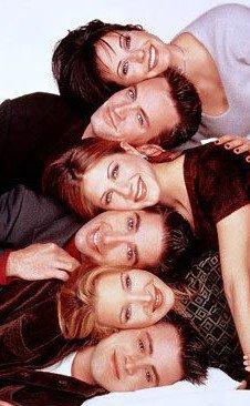 WHO'S YOUR FAVORITE ? Chandler : Des fois j'aimerais bien être une lesbienne… Attendez, j'ai dit ça à voix haute ?