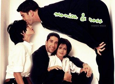 Ross & Monica Monica (à Ross) : Je sais qu'on ne peut pas changer de parents, mais si c'était possible, je voudrais les tiens !