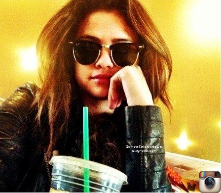07/03/2014 : Selena Gomez a été vue accompagnée du beau Justin Bieber au Texas.