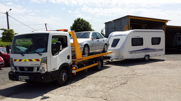 mercedes caravane transport arras
