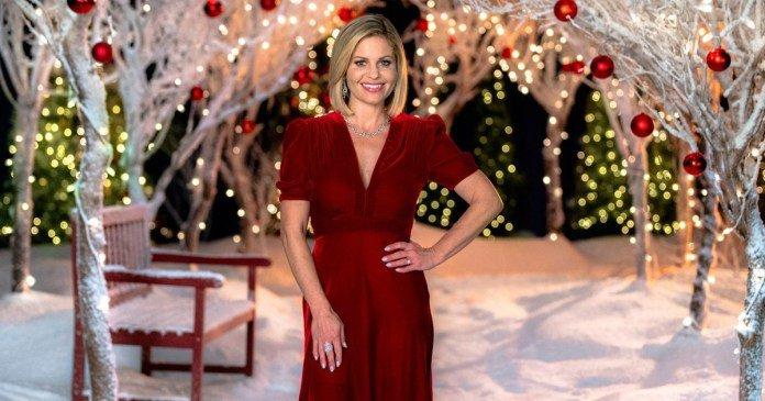 Candace Cameron Bure tourne son huitième film de Noël: La ville de Noël (Christmas Town)2019....les détails...