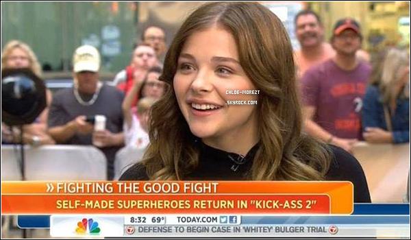 ▬29/07 - Chloe était à l'émission '' The Today Show '' enfin d'y être interview dans la rue de '' New York '' ( Pour la promo de kick-ass ) ( Promo de kick-ass2 en France , 16 aout )
