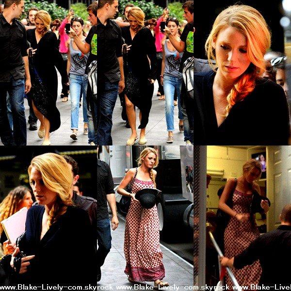 ϟ 21 Août : Blake sur le set de gossip girl, probablement pour la dernière fois puis partant . (+) en lien un scan de vogue.