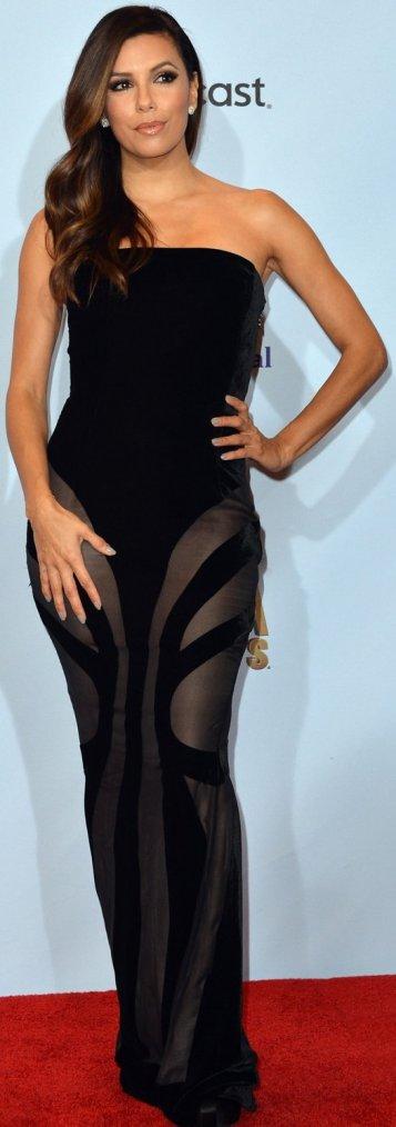 Robe: Eva Longoria O3
