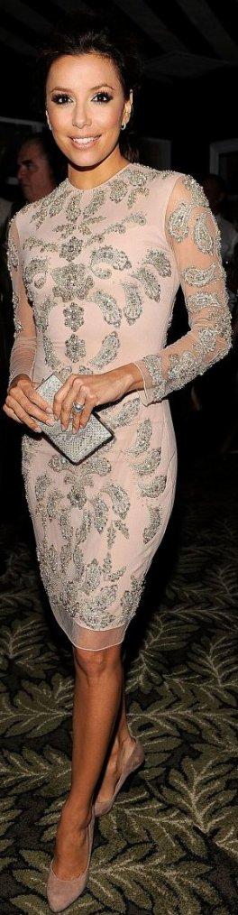 Robe: Eva Longoria O5